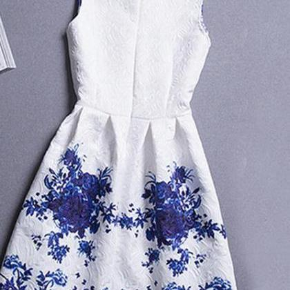 Blue and white porcelain print dres..