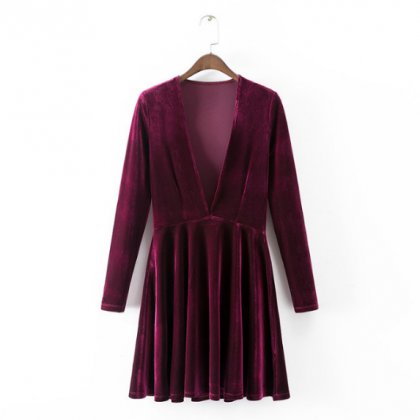 Plunge V-neck Long-sleeved Velvet S..