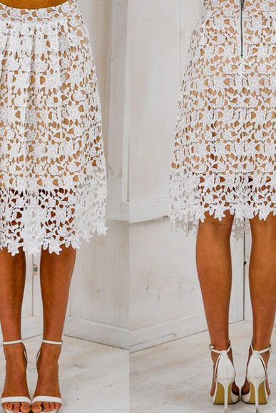 HOT LACE SKIRT