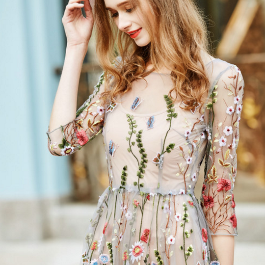 Fashion Spring and summer women's new round neck jacket embroidery network yarn stitching waist Slim two-piece dress