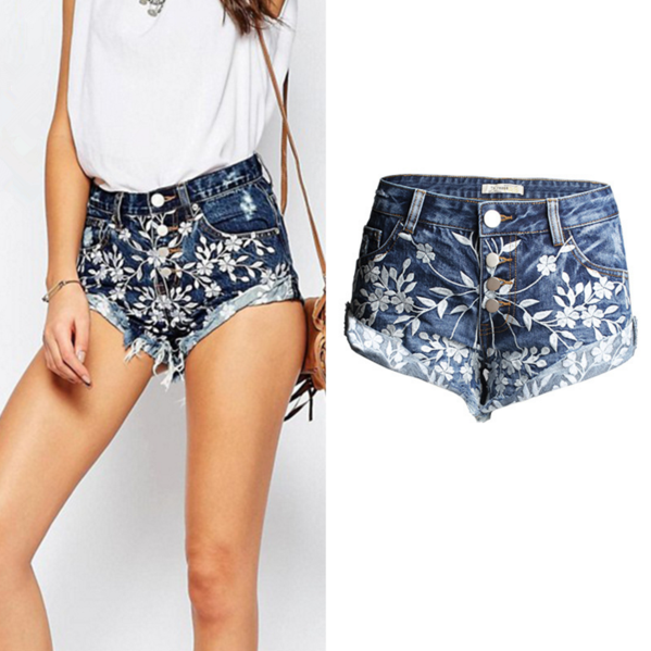 The new summer embroidery worn denim shorts dark blue shorts