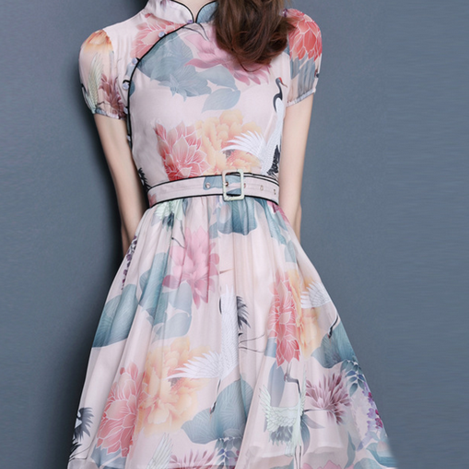 Show body chiffon print dress with belt