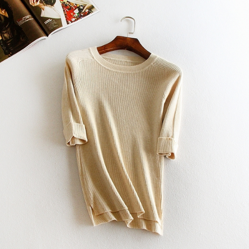 The new round neck short sleeve Slim solid color basic models sweater