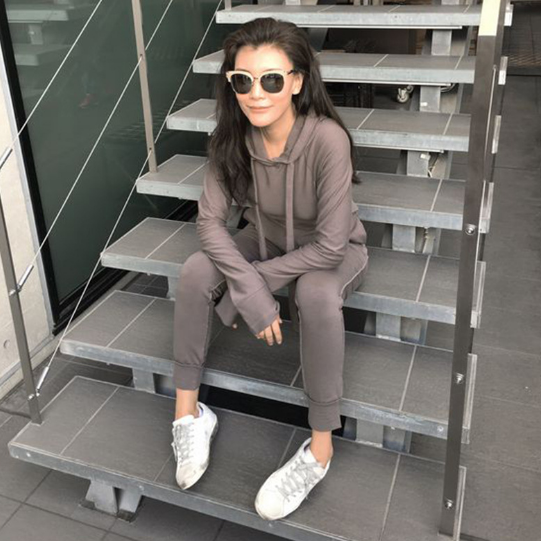 Solid color hooded sweater suit