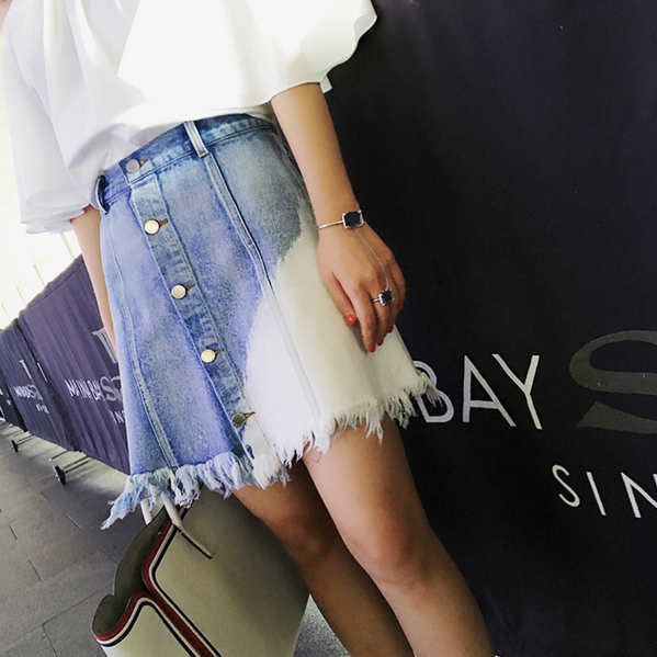 A fashionable irregular edges blue gradient breasted A-line denim skirt
